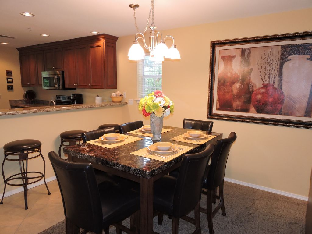 Elegant 3 Bed3 Bath with great view of VRBO