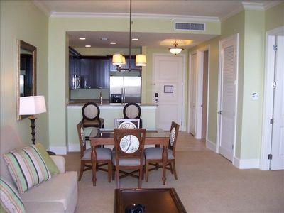Clearwater Beach condo rental - Professionally decorated suite with Queen-size fold-out bed in living room