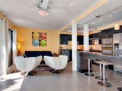 Palm Springs townhome rental - Kitchen, Eating Bar and Family Room