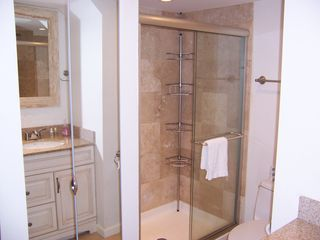 Forest Beach villa photo - Hall Bathroom - Large stall shower