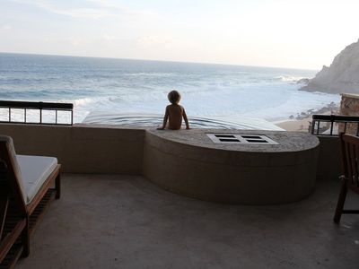 PLUNGE POOL OFF THE MAIN PATIO. EVEN LITTLES ONES ENJOY THE VIEW AND CAPELLA. :)