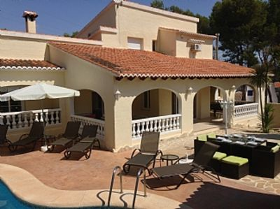 Lovely 6 bed 5 bath Villa , Pool (can be heated) jacuzzi,pool table,table tennis
