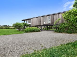 Bridgehampton house photo
