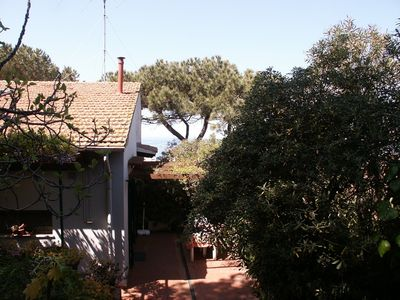 House in quiet area with garden near the beach, harbour and shops