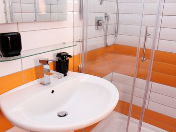 Stylish en-suite bathrooms