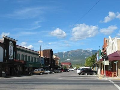 Charming Downtown Whitefish and wonderful Resturants just minutes away.