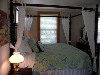 Savannah cottage photo - Relax in comfort on the King size Cuddle Bed
