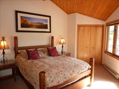 Crested Butte townhome rental - Sunny master bedroom with vaulted ceilings