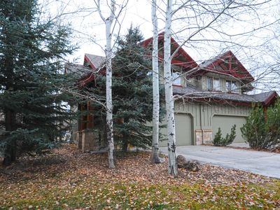 Just listed: Cozy Town-home -great location