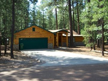 Pinetop cabin rental - Summertime view