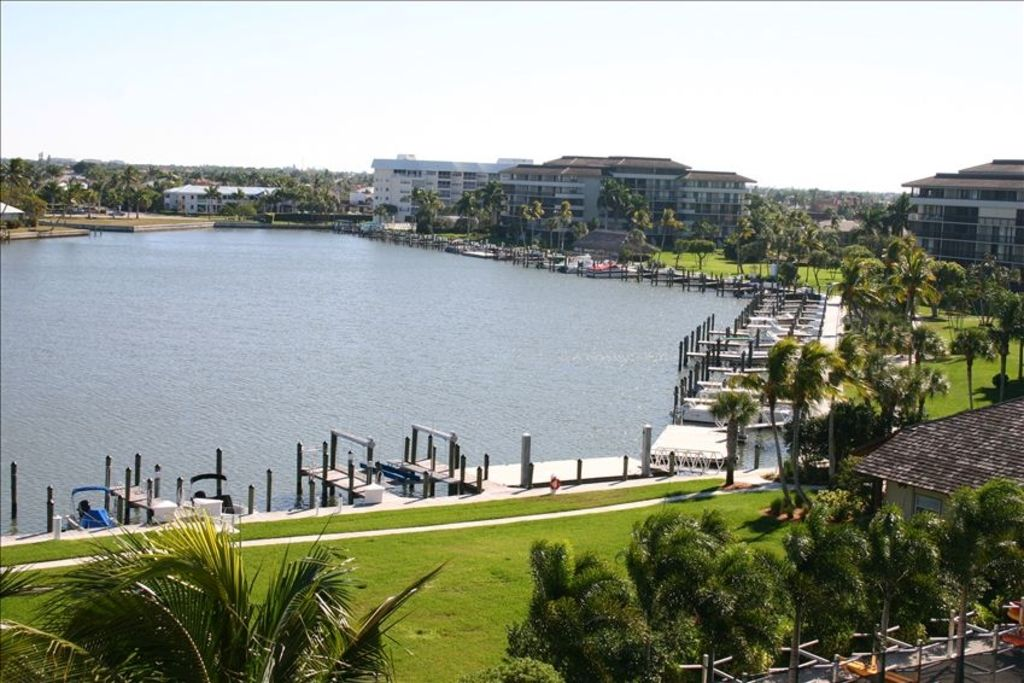 Boat Dock, Lift & Floating Dock. Call South Seas Club (239) 394-7156 for info.