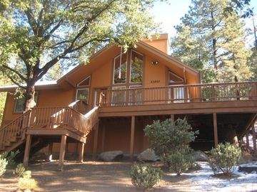 Idyllwild house rental - You'll see beautiful sunsets from this west-facing deck