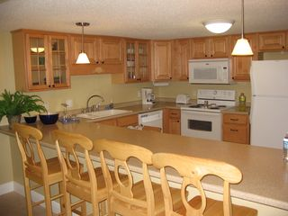 Pensacola Beach condo photo - Newly remodeled kitchen