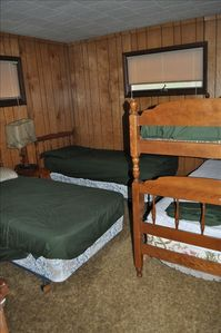 Baldwin / Walhalla cabin rental - Bedroom with Bunk Bed and 2 twins that can be made into king