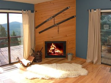 Lost River cabin rental - Great winter escape - cozy up by the fire with a good book and glass of wine!