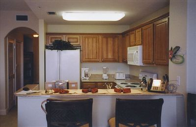 Great Kitchen fully equipped for meals/entertaining - Breakfast Bar