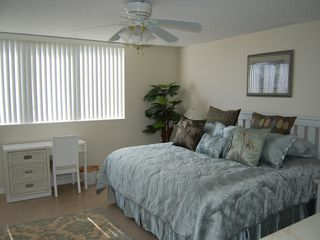 Daytona Beach condo photo - King Size Bed in the Large Master Bedroom