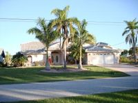 A Piece of Heaven, Waterfront Home, Heated Screened Pool &