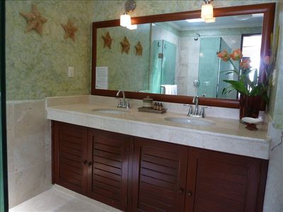 Villa 324: Master Bathroom
