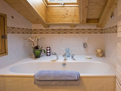 Les Houches chalet rental - Top floor Bathroom at Isra Eco-Chalet