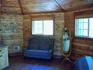 Bozeman cottage photo - Comfortable love seat, lots of mirrors for dressing and make up