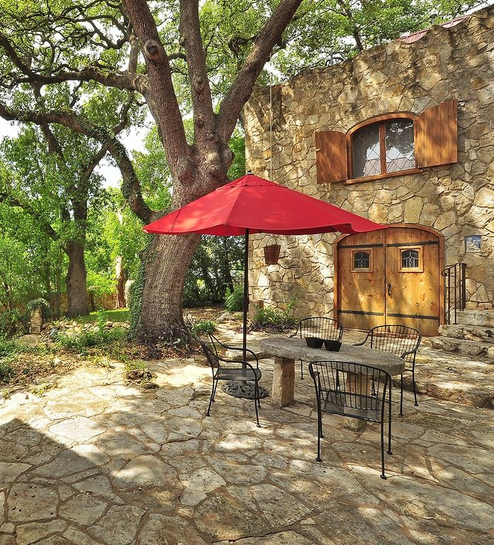 Historic Tarrytown Cottage on Lake Austin/ Scenic Drive