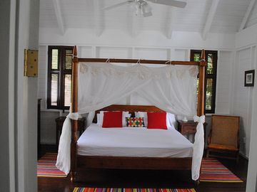 CocoHut Master Bedroom with Kingsize Bed