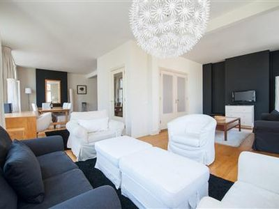 The Dam Square Apartment 2 is conveniently located on Dam Square wi...