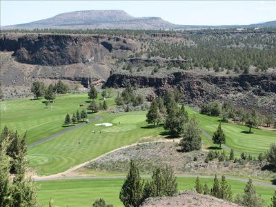 The scenic crooked river golf course