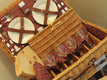 Premium Home 'owner touch': picnic basket and cheese board (upper master bdrm)