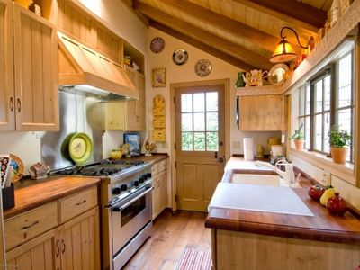 Carmel cottage rental - Kitchen with walnut wood counters