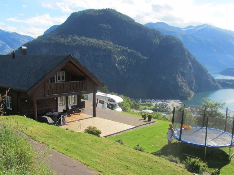 Vacation home Lingås  in Valldal, Northern Fjord Norway - 9 persons, 5 bedrooms