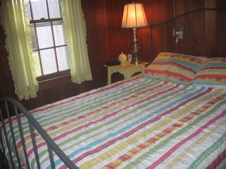 Brewster cottage photo - Queen size bed - Bayside