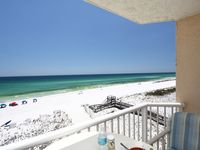 Gorgeous Ocean Front  Studio Most Affordable-No Taxes-Free Beach Service