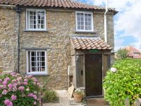 RAMBLERS COTTAGE, pet friendly, with a garden in Walesby, Ref 4165