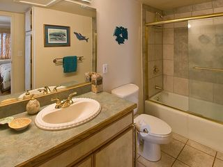 Maalaea condo photo - Master Bedroom Bath