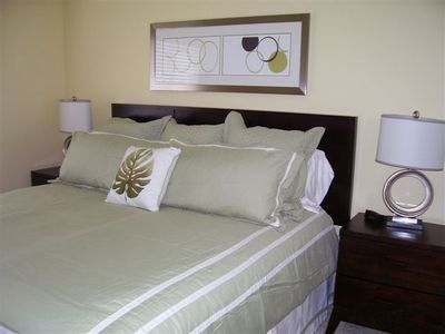 "2 King beds in the property, professionally decorated with 32"" flat screen TV's."