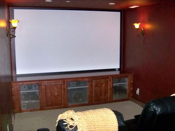 "Dedicated movie theatre w/108"" screen & crestron controles"
