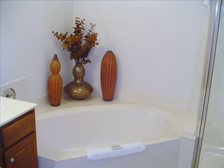 Seychelles condo photo - Master bath whirlpool for two