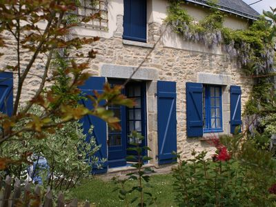 Cottage in a house from the 18th century. renovated with charm, near the Gulf of Morbihan