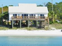 Luxury 4BR Beachfront Home, Large Private Balcony, Views From All Rooms, WiFi