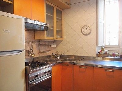 fully equipped kitchen ( 4 rings stove, oven, refrigerator, double sinks)