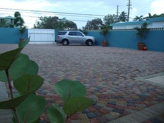 Arecibo villa photo - New paving stone Private Parking in the villa for 14 cars