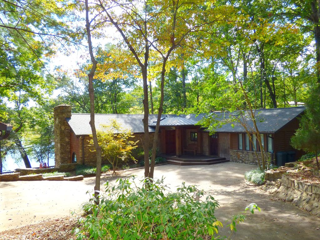 Beautiful Lake Hickory Waterfront Home With Dock In North West Hickory 3 Br Vacation House For