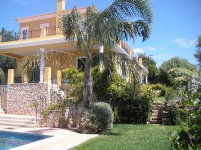 Pretty, detached villa with large, fenced 1200-sq.m garden, not overlooked
