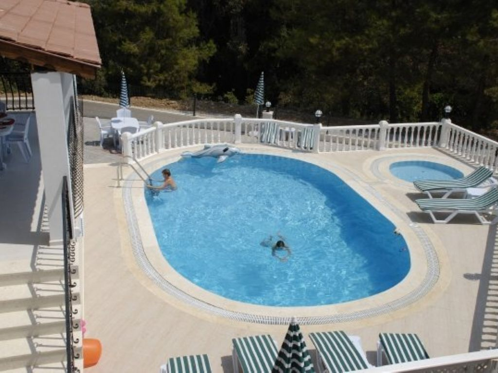 Villa with private pool and baby pool homeaway ovac k for Baby garden pool