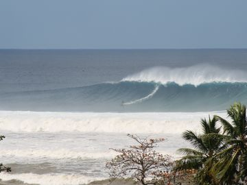 Tres Palmas Beach during the biggest swell 2008