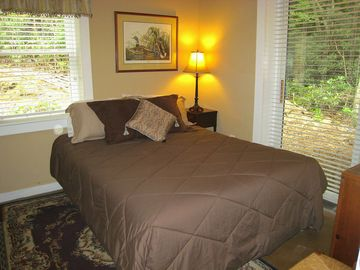 Mountain Lodge Realty Beech Mountain Lodge Queen room #5