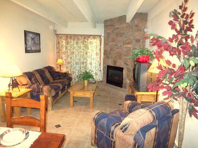 Great Room. Southwestern Mountain decor. Queen size sofa bed.