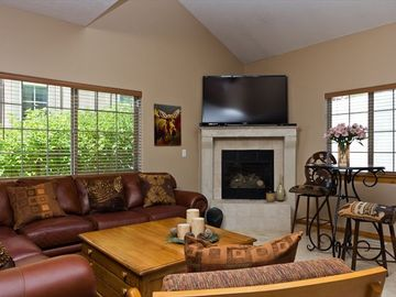 Bear Hollow Village townhome rental - Living Room with 60 inch Flat Screen, DVD player,and gas fireplace